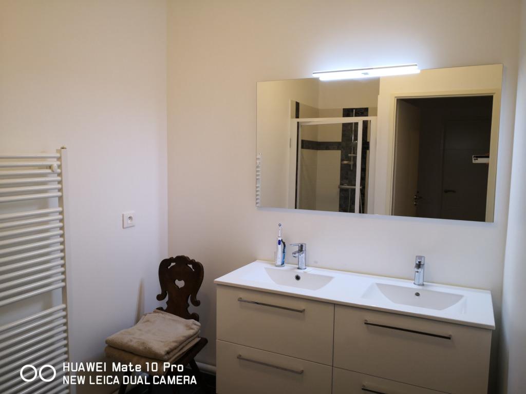 (Français) Salle de bain appartement Arcachon.
